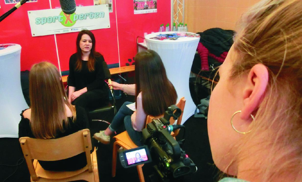 19_Franziska-Interview-Kamera